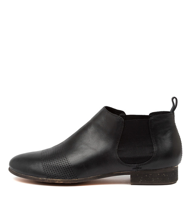 ROSCOE Black-Black Heel Leather