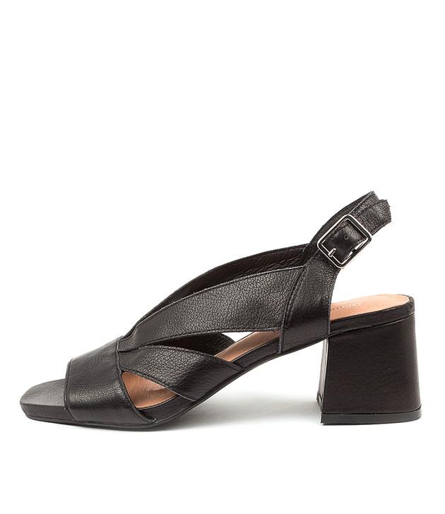 METTIE Black Leather