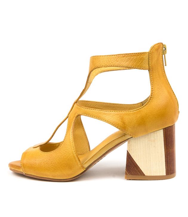 VELMAN Yellow Leather
