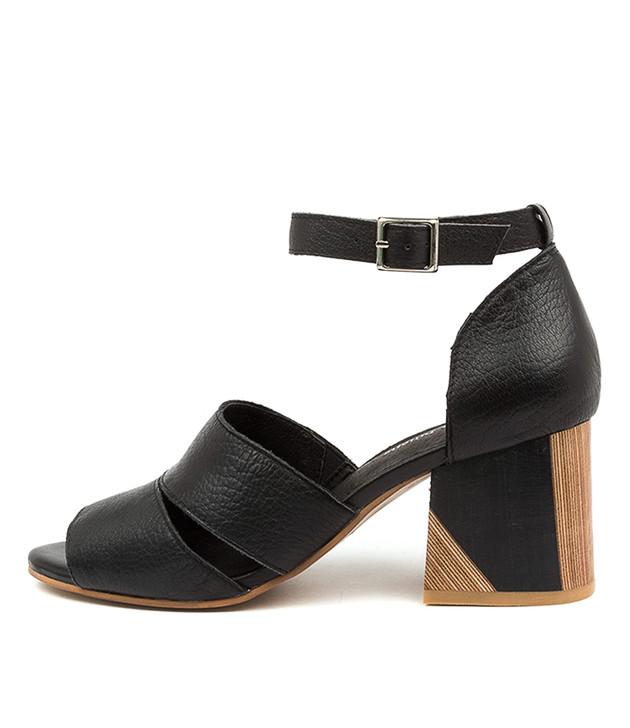 VIRIKA Black Leather