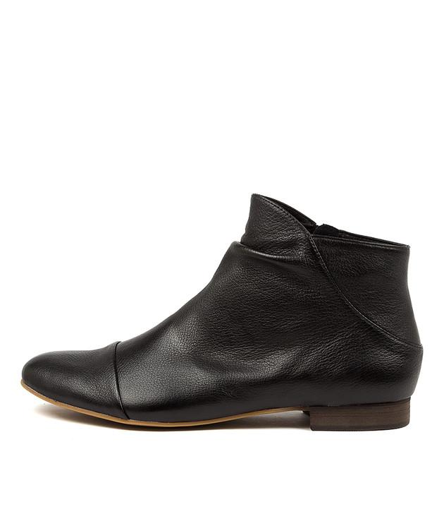 GALA Black Leather