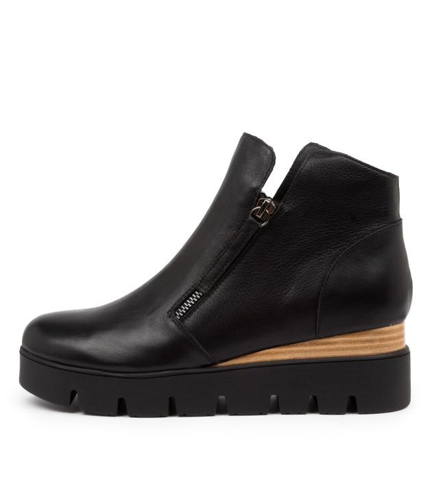 TINGE Black Leather