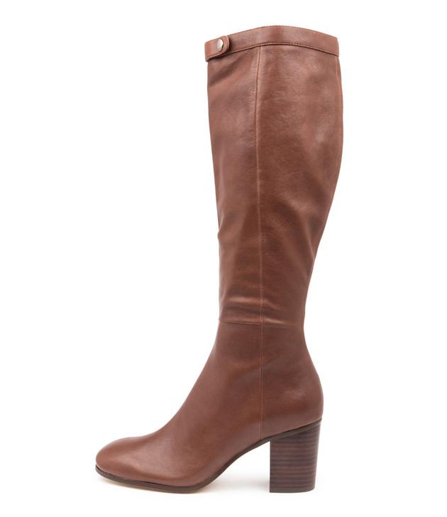 TINGE Tan Leather