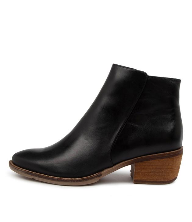 LOFTY Black Leather