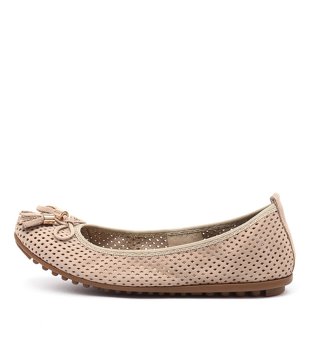 BALANCE Flats Beige Nubuck Leather