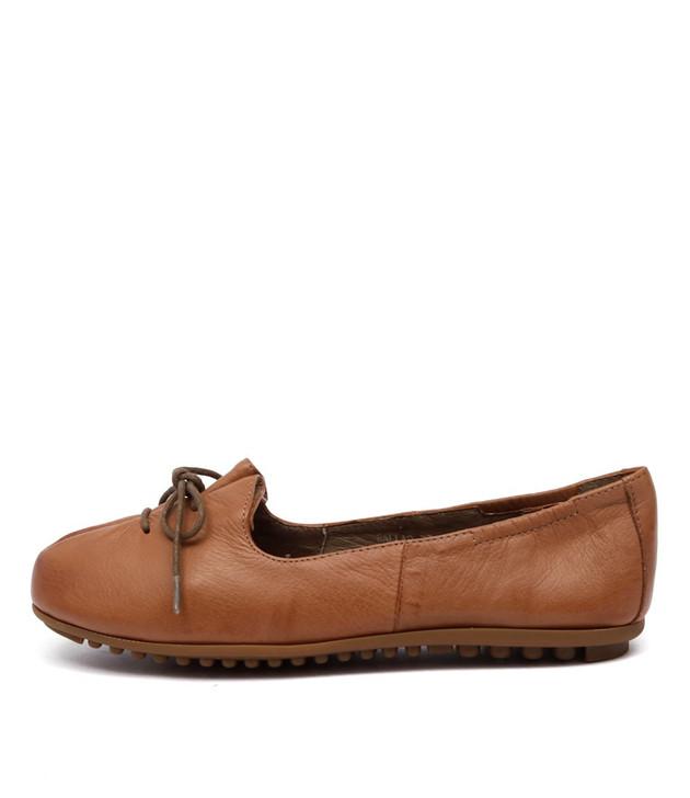 BALLAD Flats Tan Leather