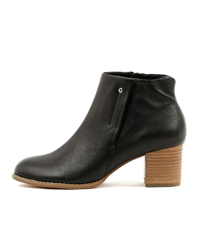 SCALES Boots Black Leather