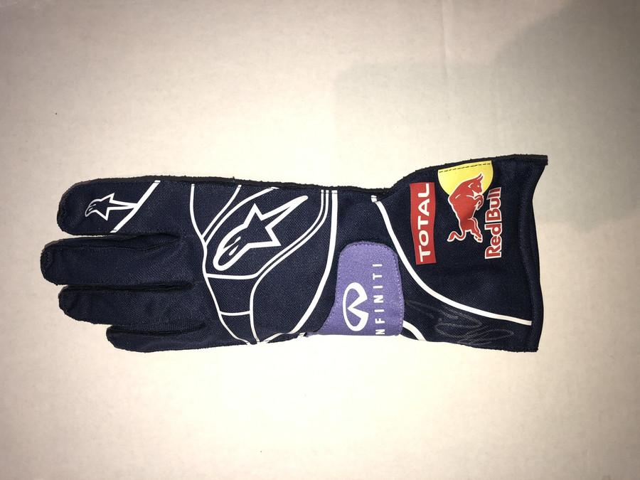 Daniel Ricciardo Signed Red Bull Replica Drivers Glove