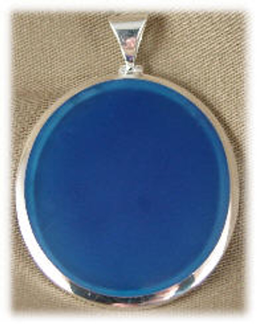 "304BLU: Oval Blue Onyx Pendent mounted in Sterling Silver, 1-1/2"" wide x 1-3/4"" long."