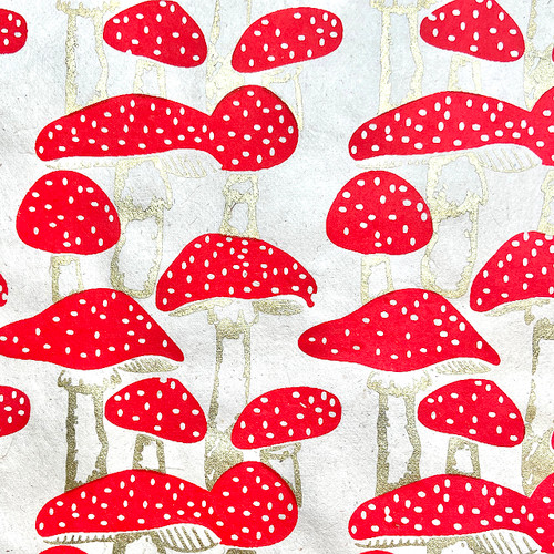 Mushrooms Red/Gold Gift Wrap