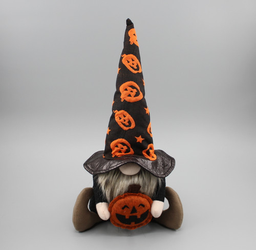 "[52845] 14""Halloween sitting gnome hold pumpkin"