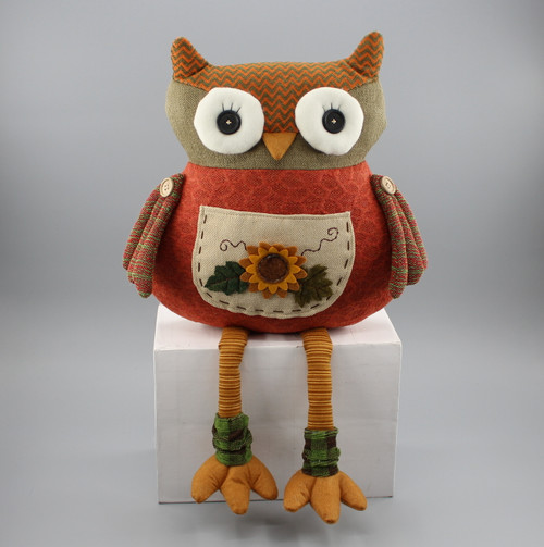 "[52871] 12.5""Harvest sitting owl (pillow)"