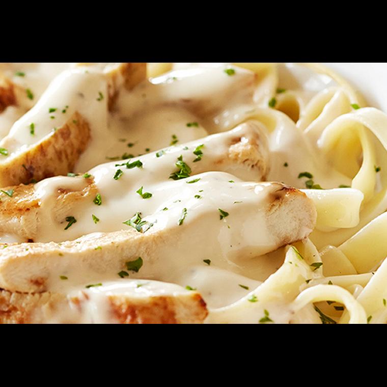 Chicken Fettuccine Alfredo Dinner - 40oz