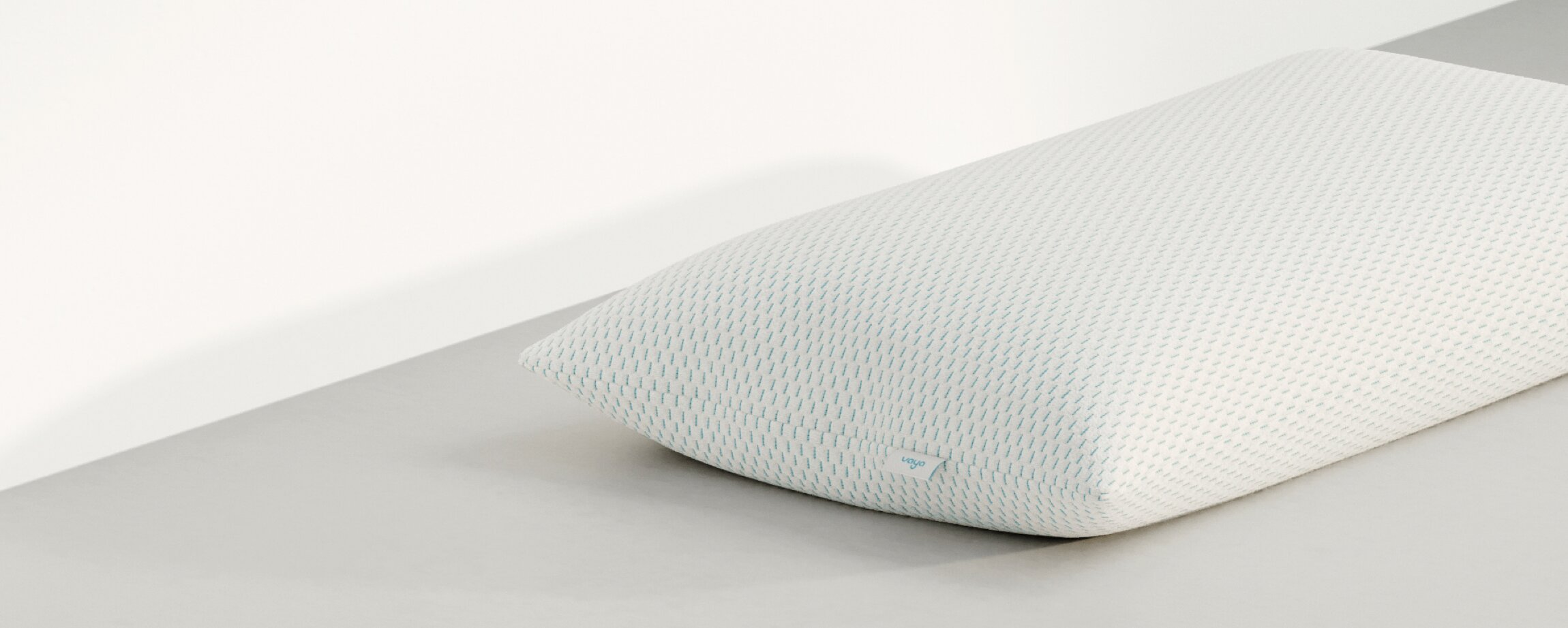 Vaya pillow side over-view