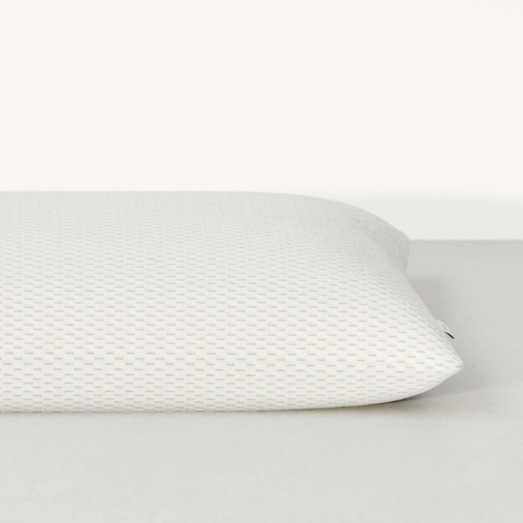 Vaya pillow side view