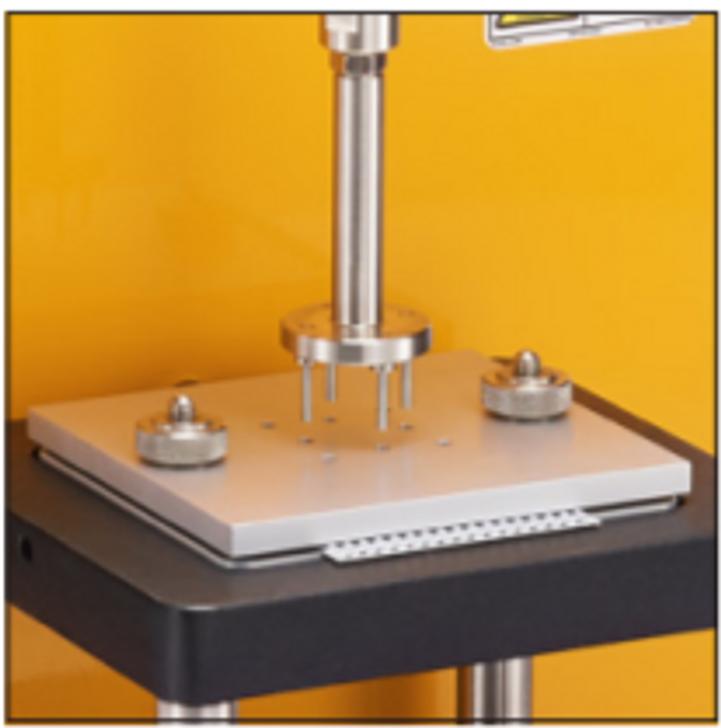 Le dispositif de test d'adhésivité mesure la force d'adhésion du plâtre et d'échantillons similaires.