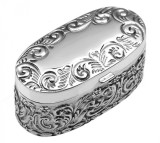 Oval hinged single ring box with embossed Victorian pattern and velvet interior (PB398)