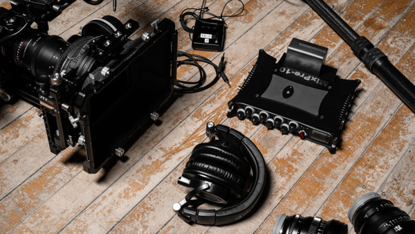 MixPre-10 II kit with camera
