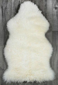White/Ivory Single Sheepskin Rug