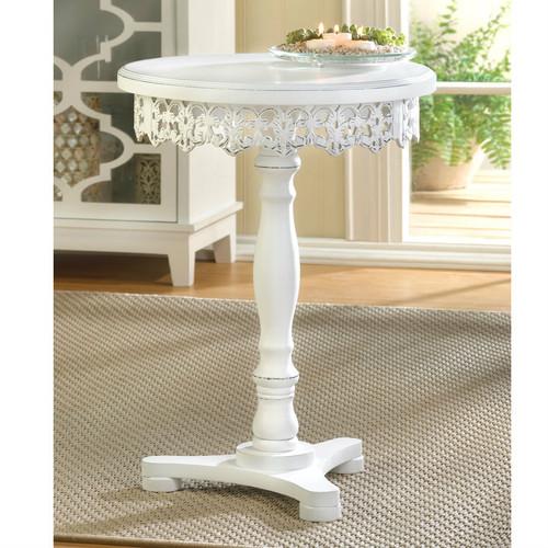 Wood Cutwork Round Pedestal Table
