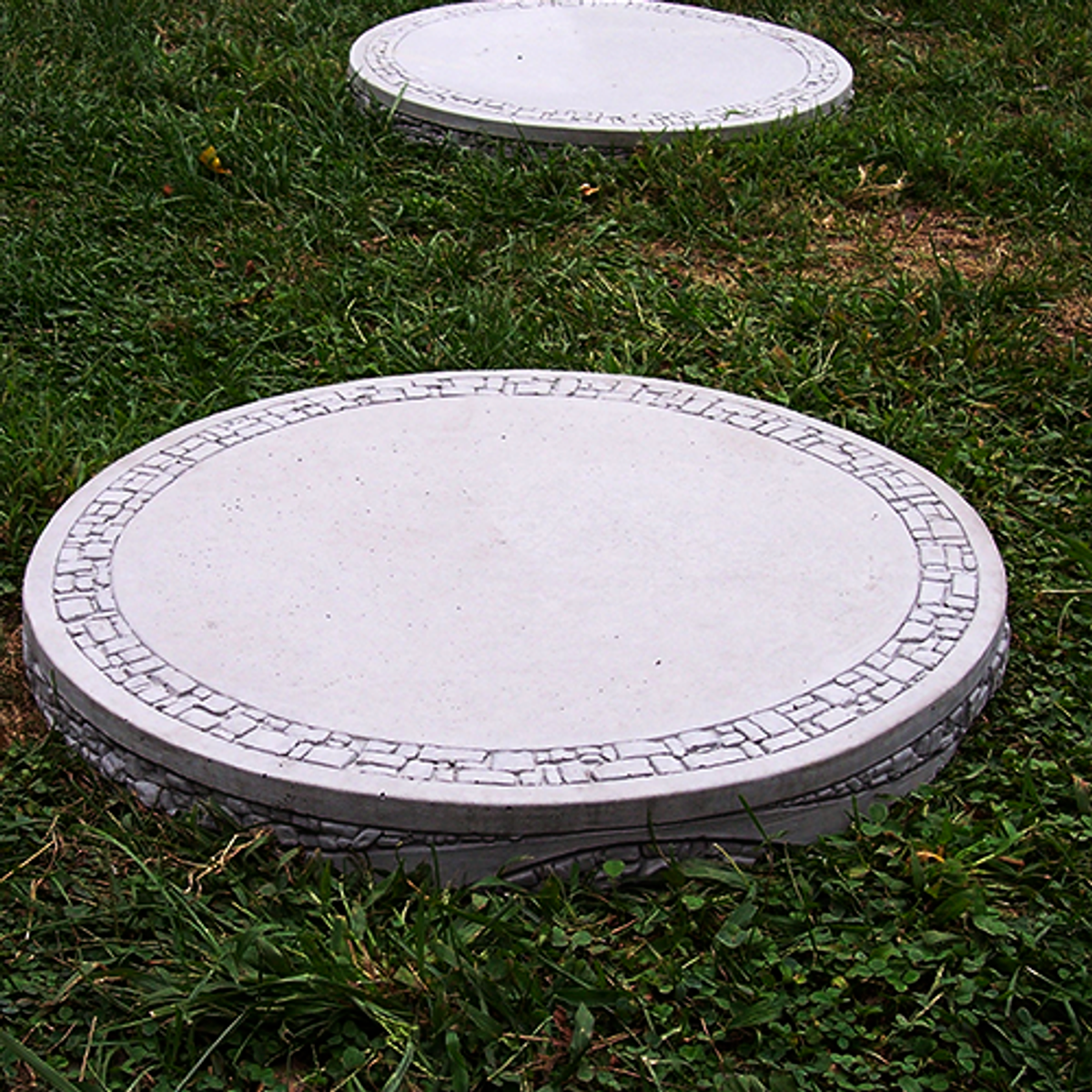 "20"" Round Stepping Stone"