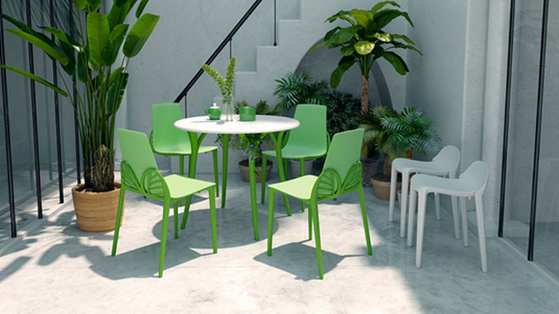 BUYING THE RIGHT OUTDOOR FURNITURE