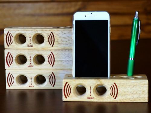 Wooden Sound Amplifier Phone Holder