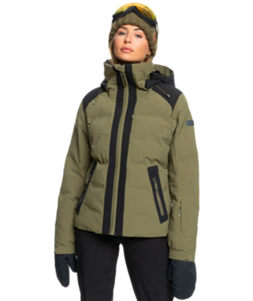 Outstanding performance combined with flawless style, the slim-fit Clouded Snow Jacket of the White Wave Collection has a 15K design that's stretchy and lightweight, offering unrivaled freedom to move around.