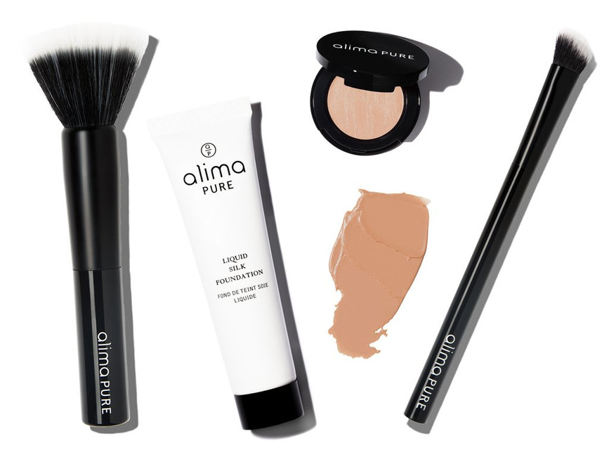 Application Tips For Liquid Silk Foundation And Cream Concealer