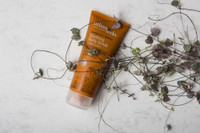 Soothing Body Scrub - Sandalwood + Botanics 200ml
