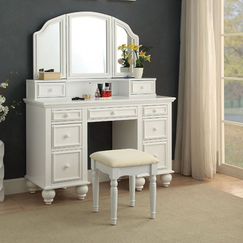 Phenomenal The Athy White Vanity Short Links Chair Design For Home Short Linksinfo