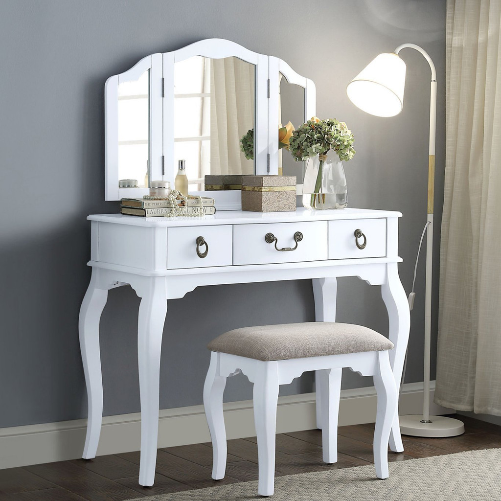 official photos bee62 f0be1 The Abelus White Vanity Set