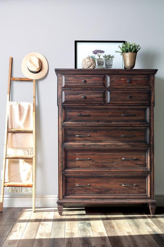 The Avenue Bedroom Collection Chest