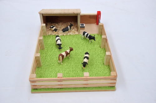 Millwood Crafts Calf House with Field (FS23)