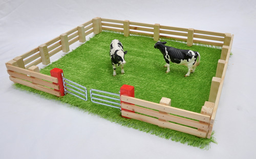 Millwood Crafts Grass Field with Magnetic Fence (FS36)