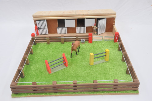 Millwood Crafts Stables & Horse Arena (FS51)