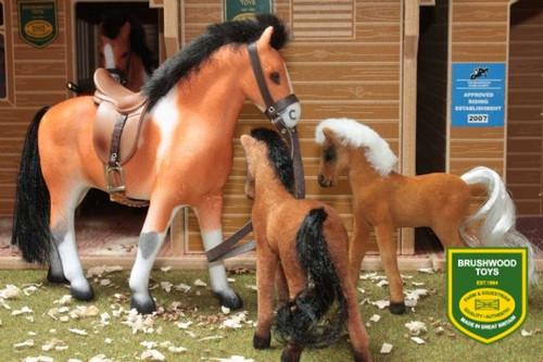 Brushwood 1 Horse and 2 Foal Set (BT1060)
