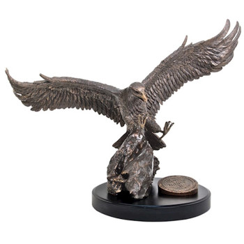 Moments of faith, Sculpture Extra Large Eagle in hand-cast resin. Wingspan 65cm, Height 37 cm, Depth 47 cm - Isaiah 40:31.
