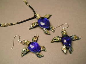 Sea turtles with blue Dichroic coloring