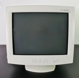 "Vintage Gaming Daewoo 719BN VGA CRT Computer Monitor 2001 17"", NEW FOR PARTS!!"