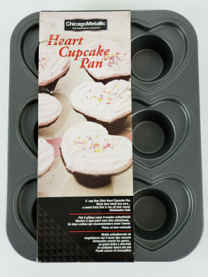 CHICAGO METALLIC HEART CUPCAKE MUFFIN NON STICK~GRAY~6 CUP BAKE VALENTINES ~NEW~