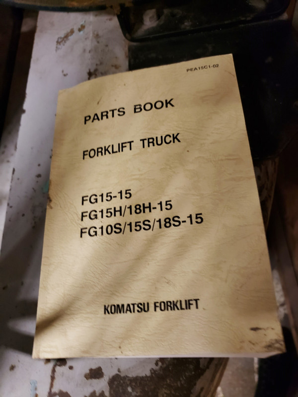 KOMATSU 2580 lb. Model FG12ST5 LP FORKLIFT TRUCK For Parts or Repair