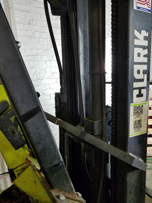 CLARK TM17 FORKLIFT MAST, Triple Stage with Side Shifter