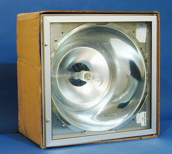 Quality Stainless Steel Light Fixture (in inner Box)