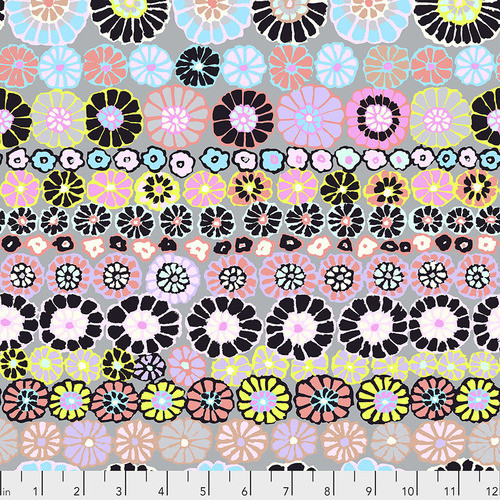Row Flowers - Contrast Kaffe Fassett PWGP169