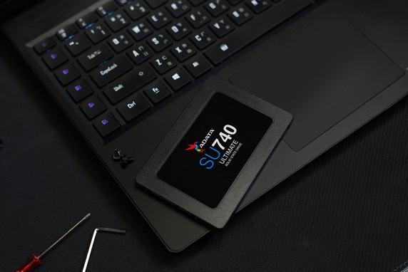 "ADATA Ultimate Series: SU740 1TB SATA III Internal 2.5"" Solid State Drive"