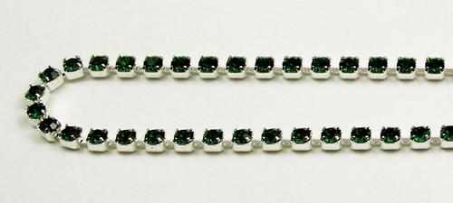 18PP (2.5mm) Emerald rhinestone chain, 84 stones per foot