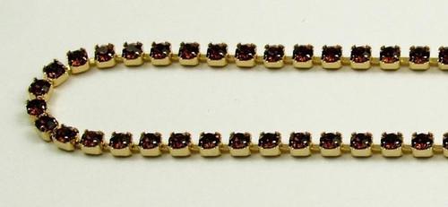 18PP (2.5mm) Smoked Topaz rhinestone chain, 84 stones per foot