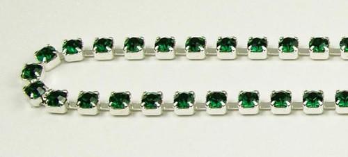 24PP (3.2mm) Emerald rhinestone chain, 62 stones per foot