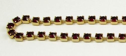 24PP (3.2mm) Siam Ruby rhinestone chain, 62 stones per foot